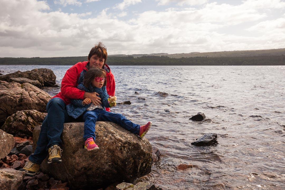 Lucie et Marie au Loch Ness